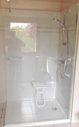 techni 39 douche s nior douche pour senior et personne g e s curis e. Black Bedroom Furniture Sets. Home Design Ideas